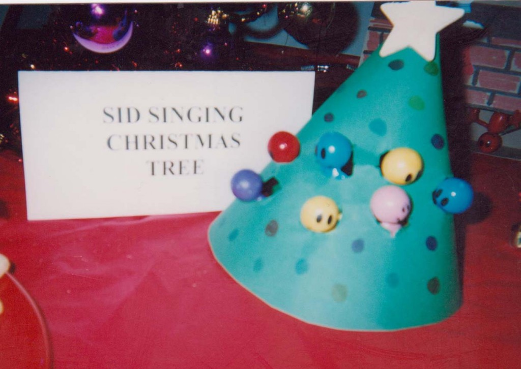 Singing Christmas tree dolls