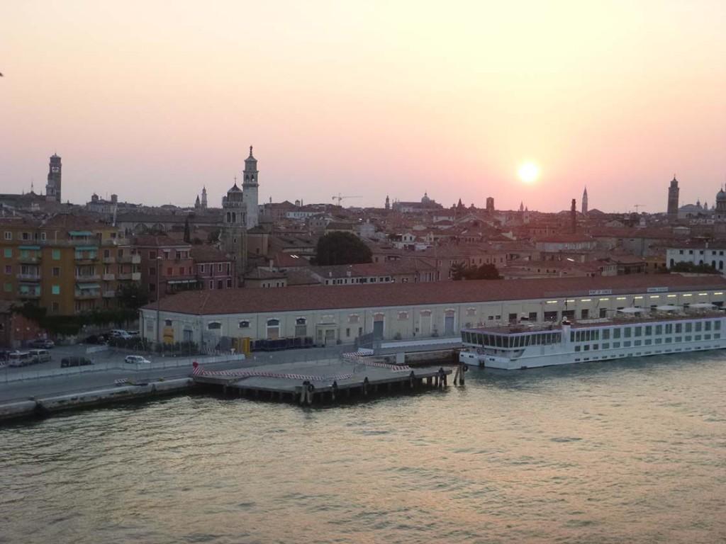sunrise_over_venice